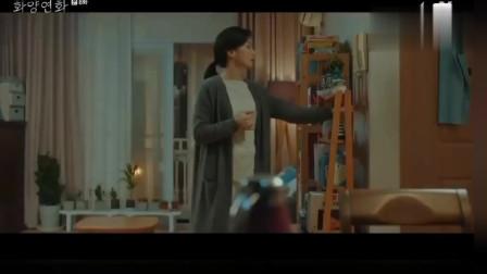韩剧:刘智泰默默守在李宝英家楼下,看到灯熄灭了才能放心地离开