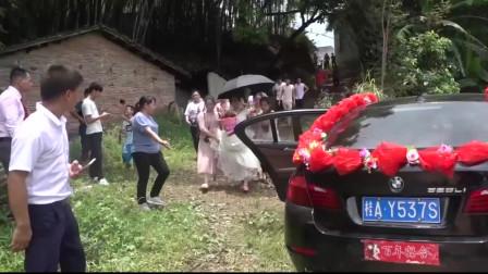 这乡村结婚 小伙子娶了个高大漂亮姑娘 新郎心里很高兴