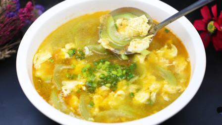 丝瓜打汤别再老一套了,试试这种新吃法,做法简单,一大碗都嫌少