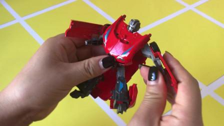 益智玩具 小汽车炫酷变形霹雳咆哮红色小跑车