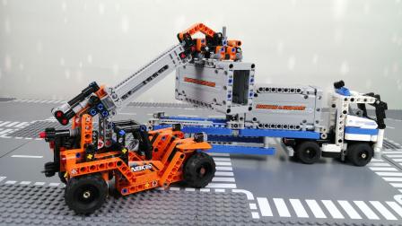 大型叉车为大卡车装卸集装箱【乐高玩具故事】