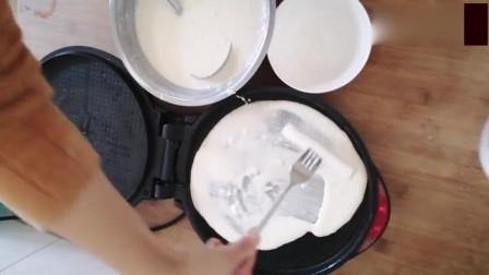 广东网友:自打封城以来,民间人才辈出,做煎饼没有刮板,一根葱解决