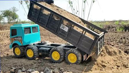 挖掘机玩具帮助自卸卡车