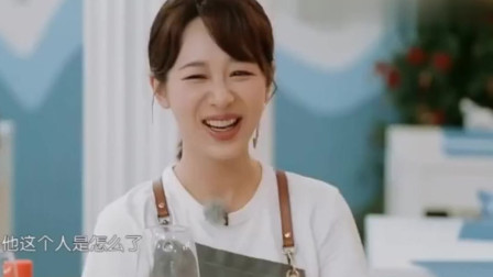 杨紫模仿吐槽皇阿玛生气必备的节奏,苏有朋笑出表情包
