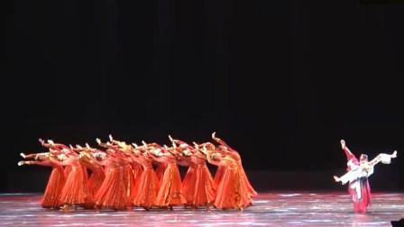 云舞裳丨舞蹈女子群舞蒙古舞《大漠孤鸿》深圳艺术学校 看大漠孤鸿在大漠风沙中努力奋进 在恶劣环境中勇敢坚强