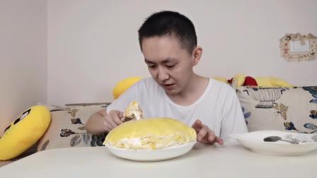 媳妇想吃芒果千层蛋糕,大鹏自己动手做,虽然卖相不好,吃着不错