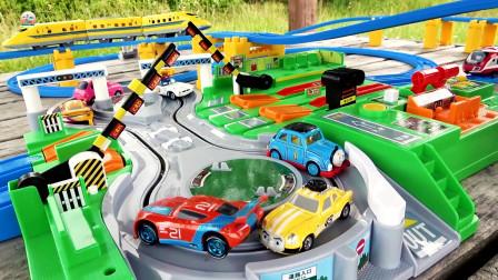 小火车和小汽车交叉道口玩具,儿童玩具