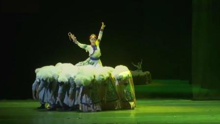 云舞裳丨舞蹈群舞蒙古舞《牧场欢歌》包头市民族歌舞剧院 草原的汉子 像骏马一样奔放 草原上的姑娘温暖又善良
