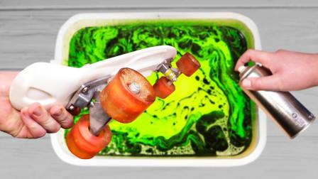 小伙奇思妙想,将滑板放进颜料中涮一涮,出水后价值飙涨!