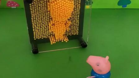 小猪佩奇玩具:乔治和小朋友玩,看见僵尸了,就赶快跑了,僵尸说他是好僵尸