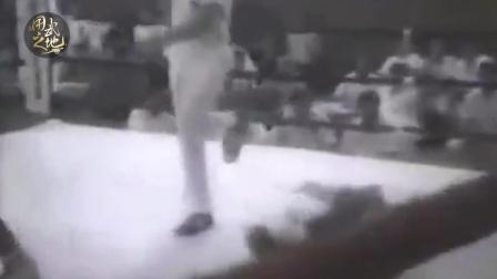 泰森16岁时的一场KO!没有最快,只有更快!