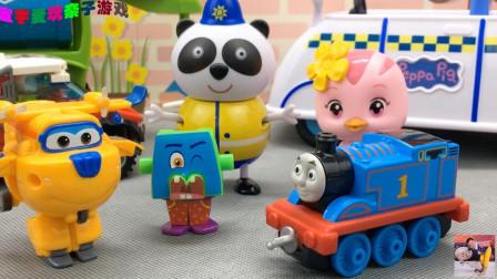托马斯小火车的轮子坏了,萌鸡小队找超级飞侠帮忙修理