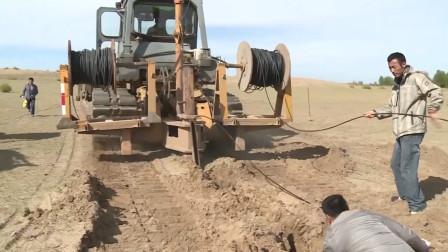松土裂石机埋电缆就是牛,挖沟铺缆一步到位,各种复杂地形都适用