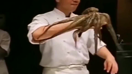 上海大厨展示艺术版切章鱼,心疼章鱼三秒,切好就可以吃了!