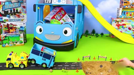 小黄车挡住卡车运土,气了,直接开上去撞它,老板扣工资