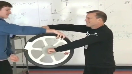 牛人实验:轮子不合常理的转动,物理老师看到后,也解释不通!