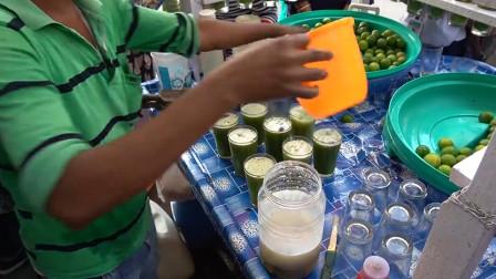 """印度小伙街边卖""""特色""""柠檬汁,一杯1块钱,你敢喝吗?"""