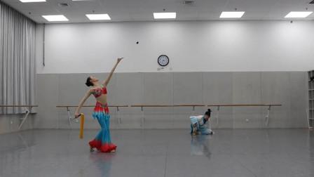 古典舞曲目《狂草》,1分05秒的踢剑设计不错,剑舞的漂亮!