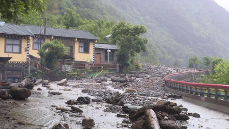 云南怒江境内发生泥石流塌方自然灾害 2人失踪2人受伤紧急转移安置696人
