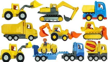 彩色乐高玩具拼搭工程车和塔吊