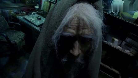 阿罗汉:老头出手毒辣,一手把光头的身体掏空,光头瞬间变成老头