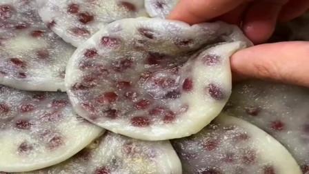 红豆糯米饼,这样做香甜软糯超级好吃,非常详细的教程!