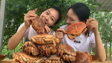 秋妹485元买10只面包蟹,个头比手掌大,满满的蟹膏,吃着好过瘾