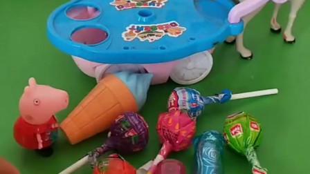 佩奇正在自己玩耍,他要帮猪妈妈去卖东西,佩奇可真懂事