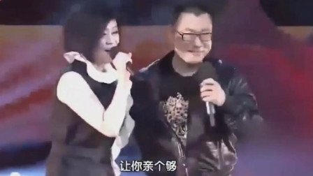 尹相杰厉害了,换新搭档合唱《新纤夫的爱》,嗓音不输于文华