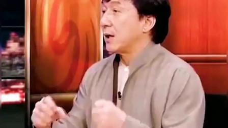 成龙:功夫巨星有很多个,但是武术宗师唯有李小龙!