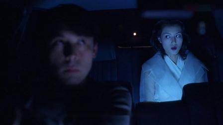 小伙送白衣女子,交警拦车检查,直言没客人还打表,小伙顿时懵了