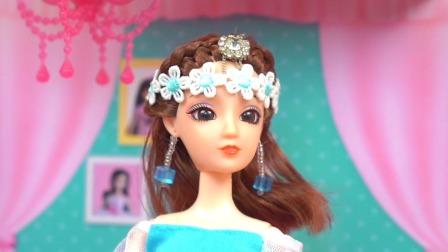 芭比娃娃玩具故事 妈妈为了奖励小芭比考试100分,结果把超市的零食全部买光了