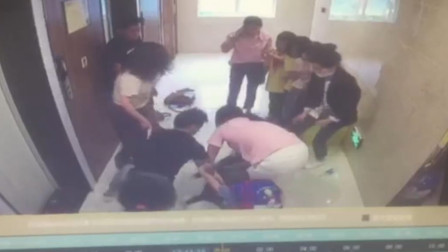 长沙一女孩托管班与同学闹矛盾 老师通知家长后被围殴