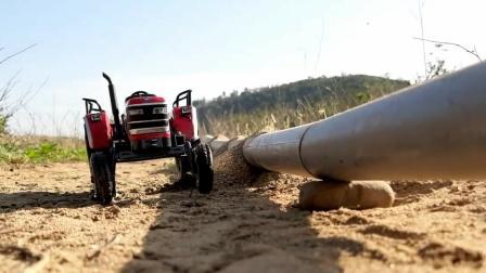 拖拉机撞破水管引发水灾施工队紧急救援.mp4