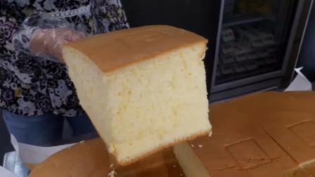 巨无霸鲜奶油蛋糕,口感柔软细腻,做法简单和在家做的不太一样