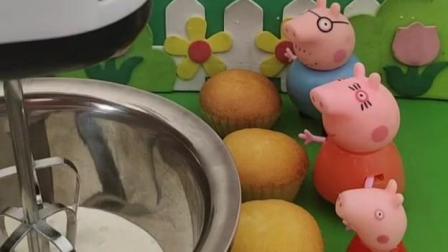 给小猪一家分蛋糕,他们吃腻了杯子蛋糕,想要奶油蛋糕