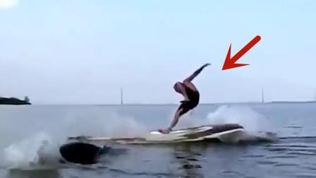 """男子划船时,突遇水中""""巨兽""""袭击!下一秒船毁人亡"""