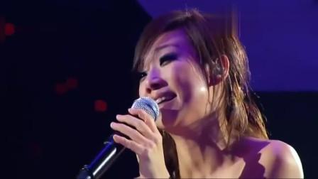 张国荣独白声一起,林忆莲含泪唱完一首歌!现场听众都听哭了