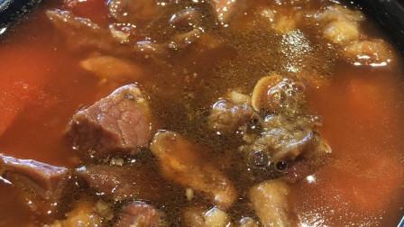 西红柿土豆炖牛肉,酸酸甜甜,香气扑鼻