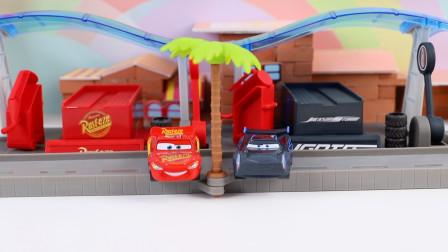 赛车总动员3超级酷的麦昆和黑风暴的玩具赛道