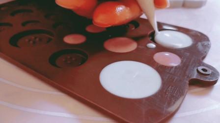 巧克力纽扣,棒棒糖这样做请示很简单,没有模具也能制作成功