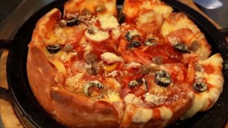 韩国街头的芝加哥式深盘芝士披萨