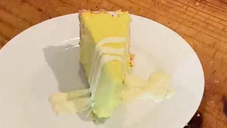 清香甜蜜,绵软细腻,入口即化的柠檬芝士蛋糕