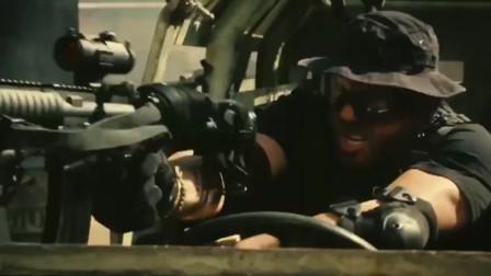 影视:《敢死队2》劲爆火拼场面,直接秒掉直升飞机太6了!