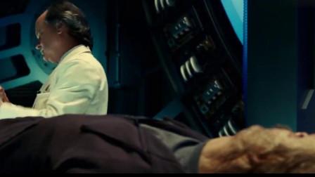 恐惧力量操控博士,企图夺取正义的力量,却被吊着打