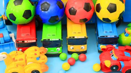 彩色足球跑进隧道里变成了帮帮龙