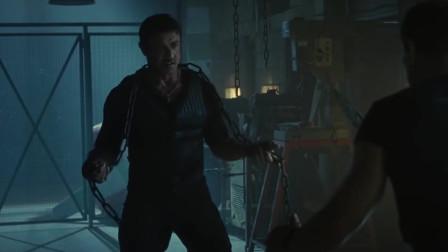 敢死队:匕首与铁链!这才是男人该看得场面!太刺激了!