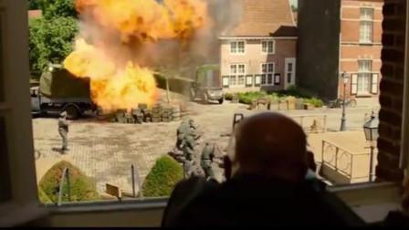 德军长官正在视察集结的部队,游击队员从后背后来了一发火箭弹