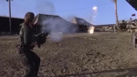 好莱坞的越战英雄,手持加特林机枪大杀四方,堪比史泰龙