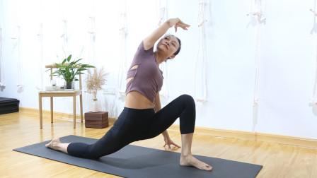 超简单4个晨练瑜伽体式,清肠排毒,每天10分钟,让你年轻10岁